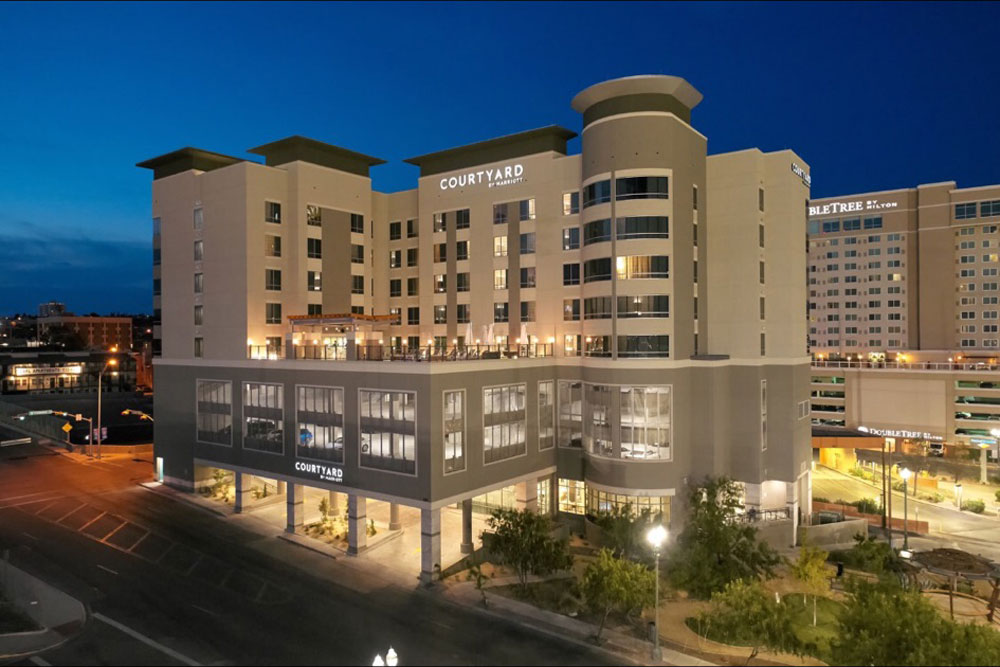 courtyard by marriott downtown exterior 01